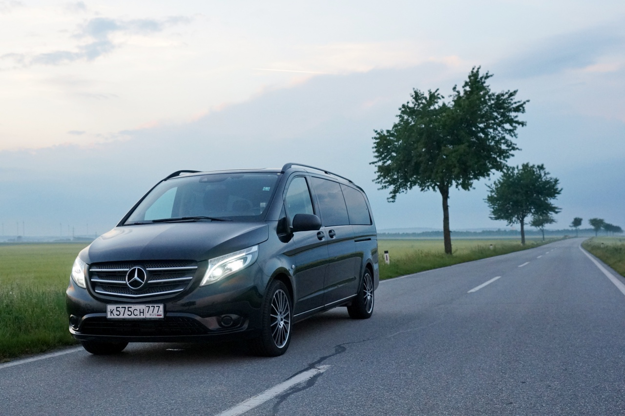 На дороге Mercedes-Benz Vito Tourer.JPG