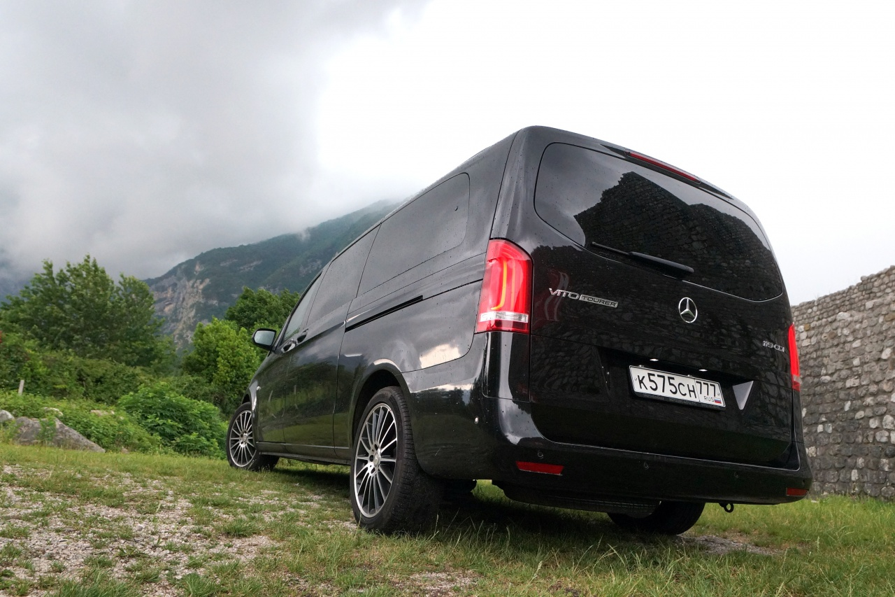 Вид Mercedes-Benz Vito Tourer.JPG