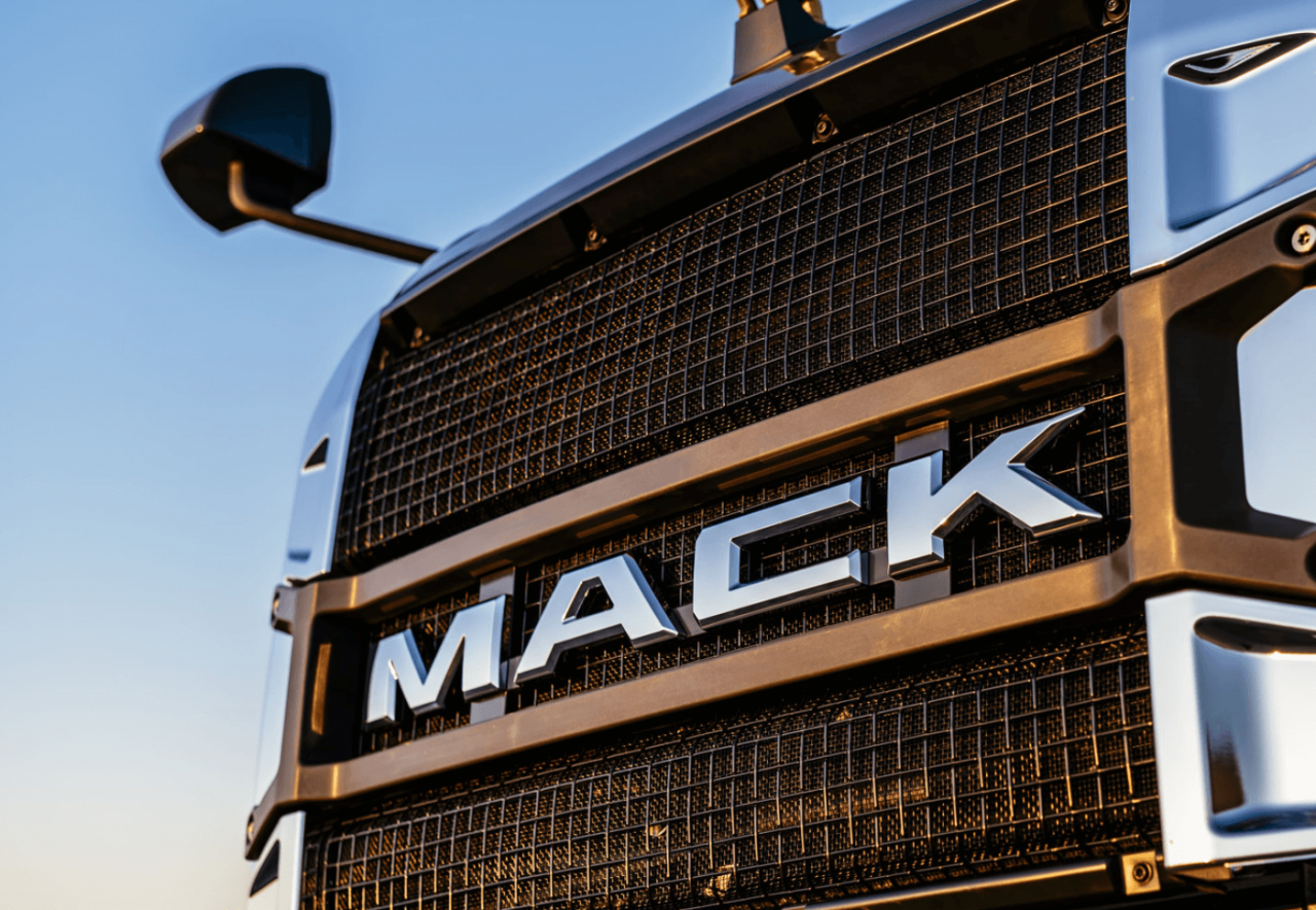 Mack_Anthem_Close_up.png